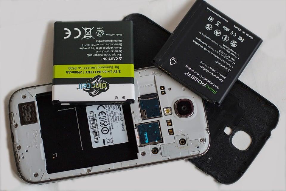 energia-eletrica-esgoto-carregar-celulares